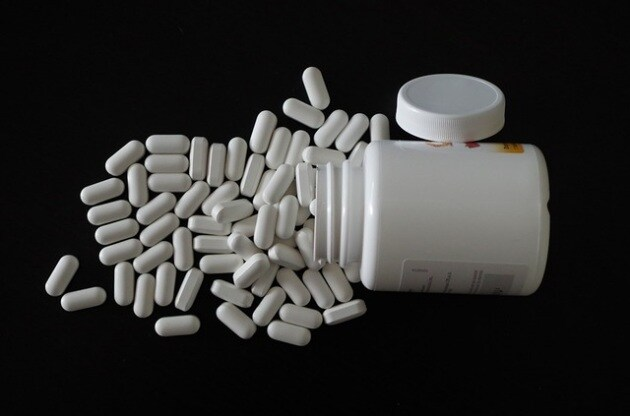 diet-pills-1328799_640