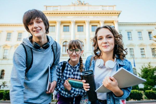 Vacanze studio in Italia e all\'estero: i consigli per genitori ...