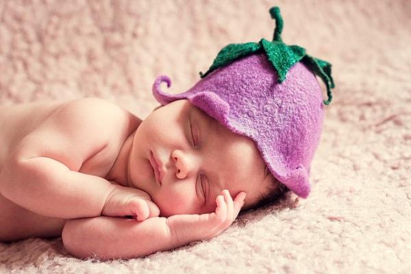 Nome per bimba: scopri tutto su Aurora