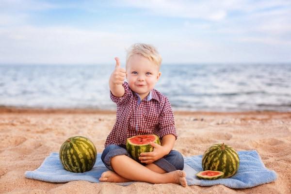 Vacanze: 10 consigli per un'alimentazione SANA e corretta per i bambini