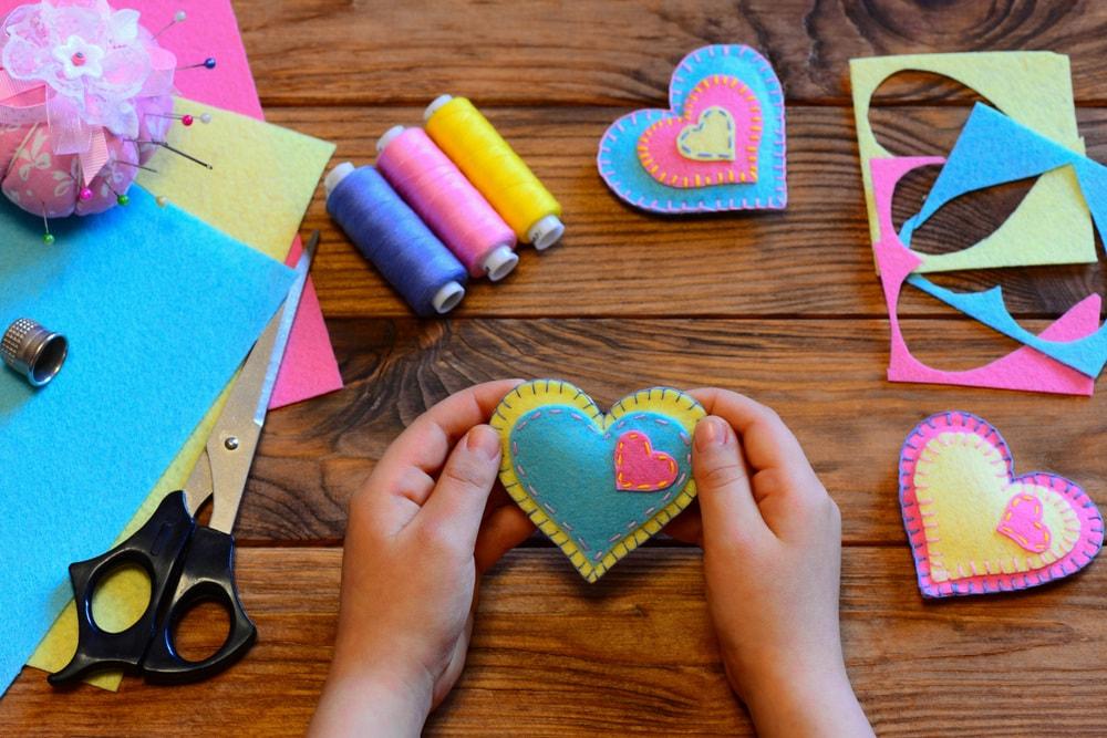 Compleanno Mamma Lavoretti.Festa Della Mamma 15 Idee Originali E Facili Per Regali Fatti In