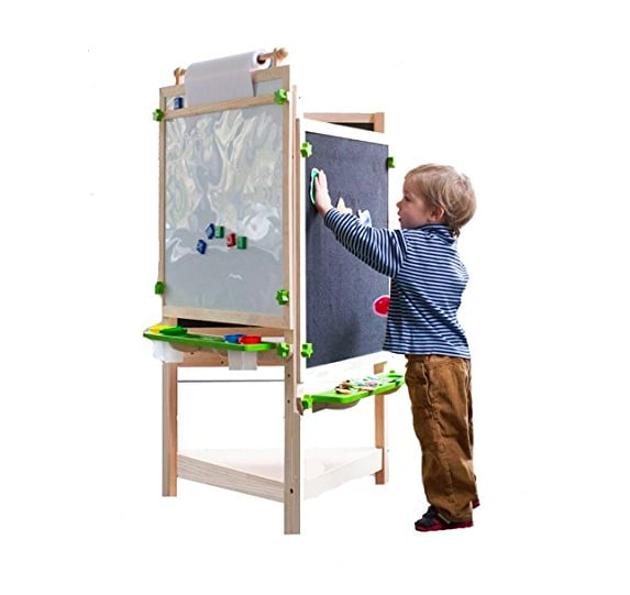 Arredamento i migliori mobili in stile montessori per i for Pannello portaoggetti neonato amazon