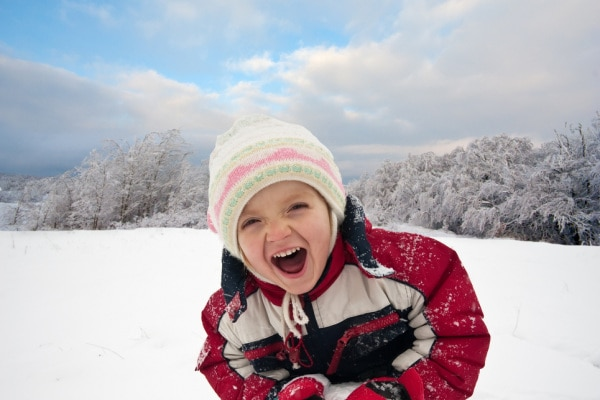 bambino neve foto